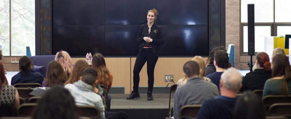 Felicia Day speaking to students