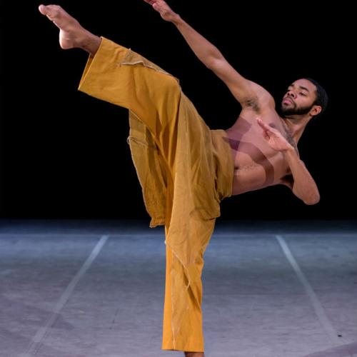 Chatman performs in MOVE!, For the Fallen Ones (2015). Photo by Daniel Cavazos.