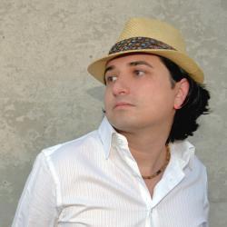 A portrait of Chris Diaz