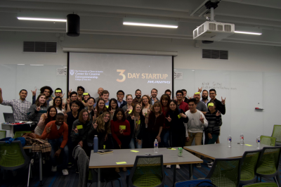 Group photo of participants and mentors in 3 Day Startup in November.